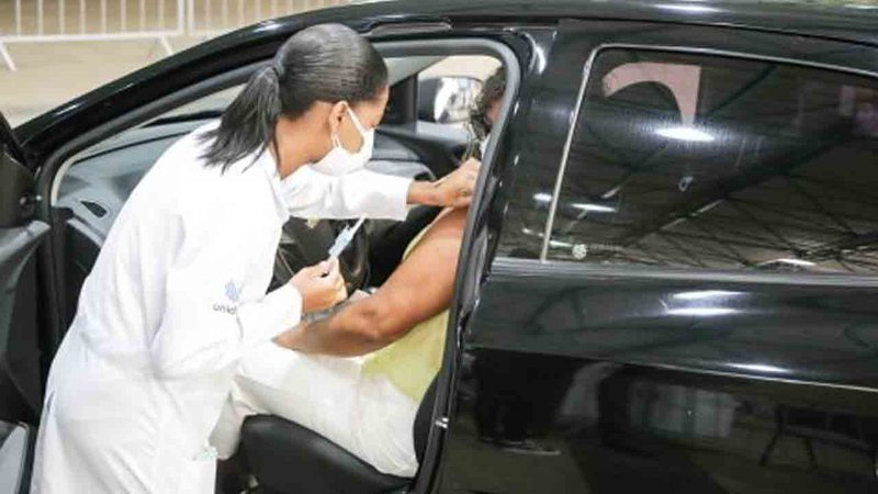 Campo Grande inicia vacinação de pessoas a partir de 18 anos com comorbidade; confira locais